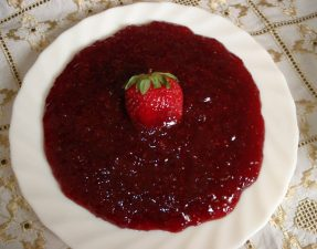 Marmelatë me luleshtrydhe - Ervina Saliu - KuzhinaIme.al