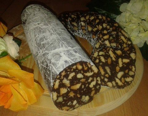 Sallam me çokollatë dhe arra - Leonora Pane - KuzhinaIme.al